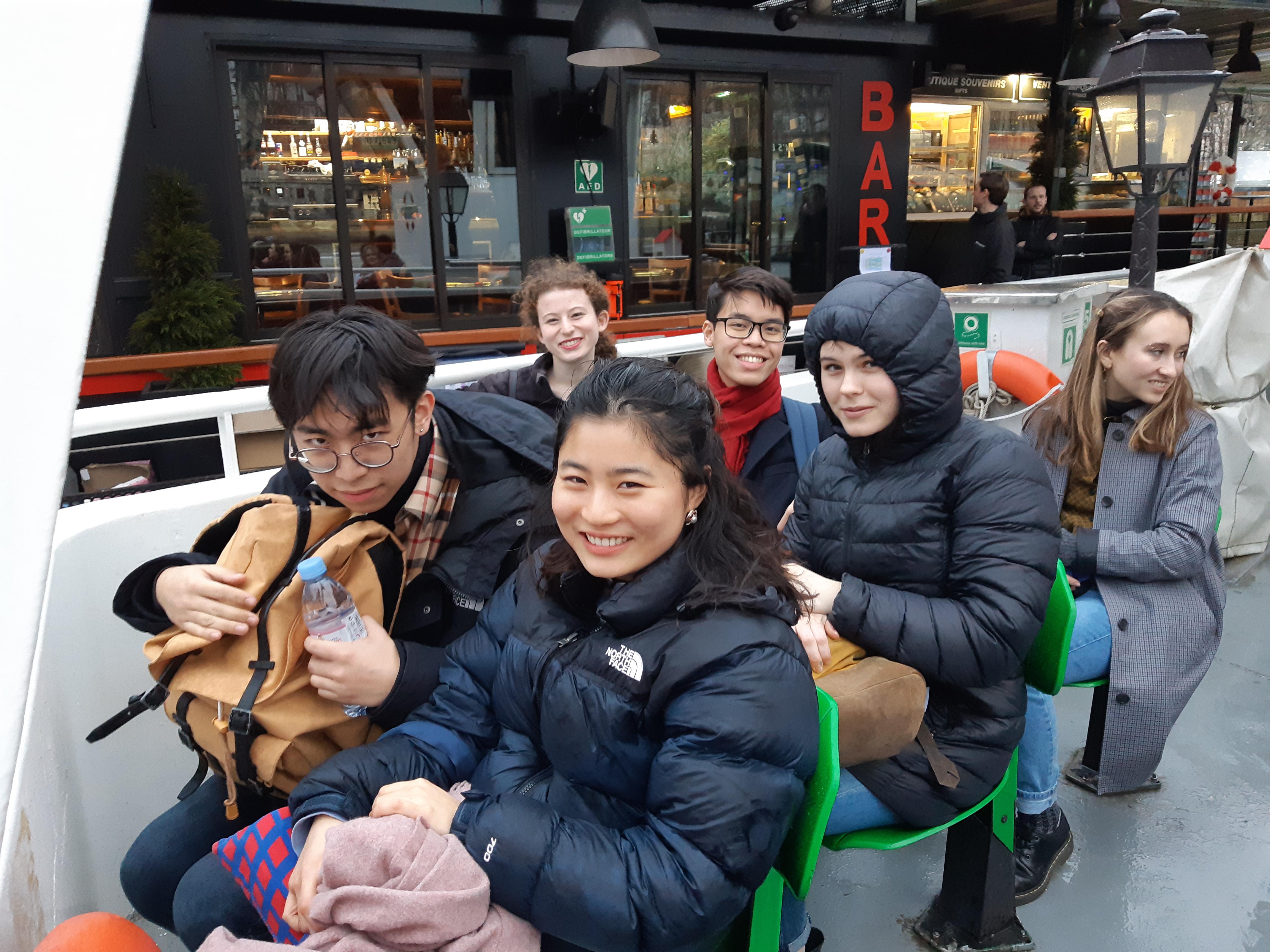 Seneca Straub, Tracy Cooper, Nam Nguyen, Emma Alexandrov, Andrew Luo et Hindley Hang